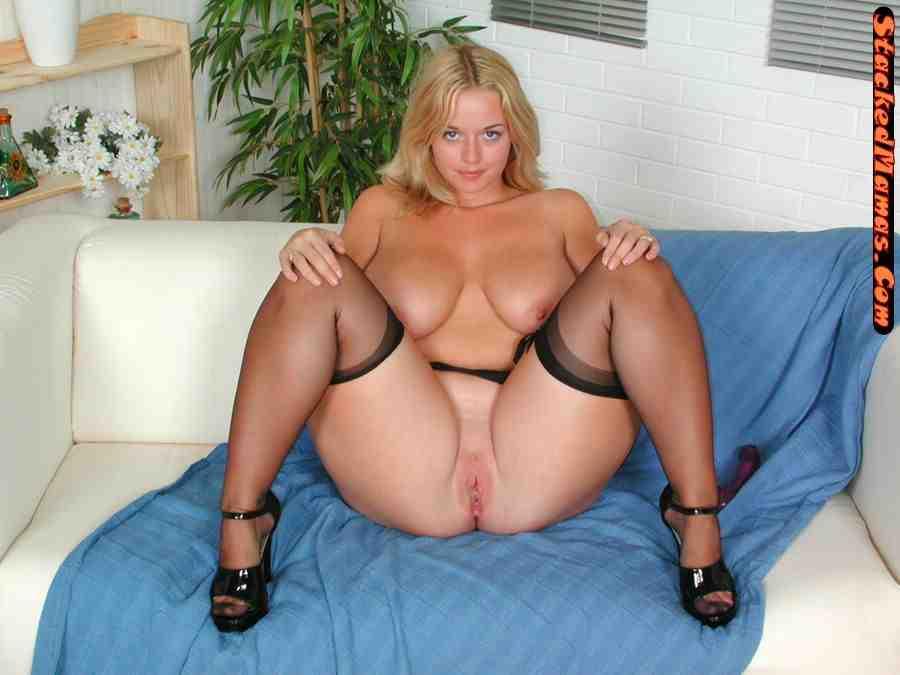Milf erotic photo