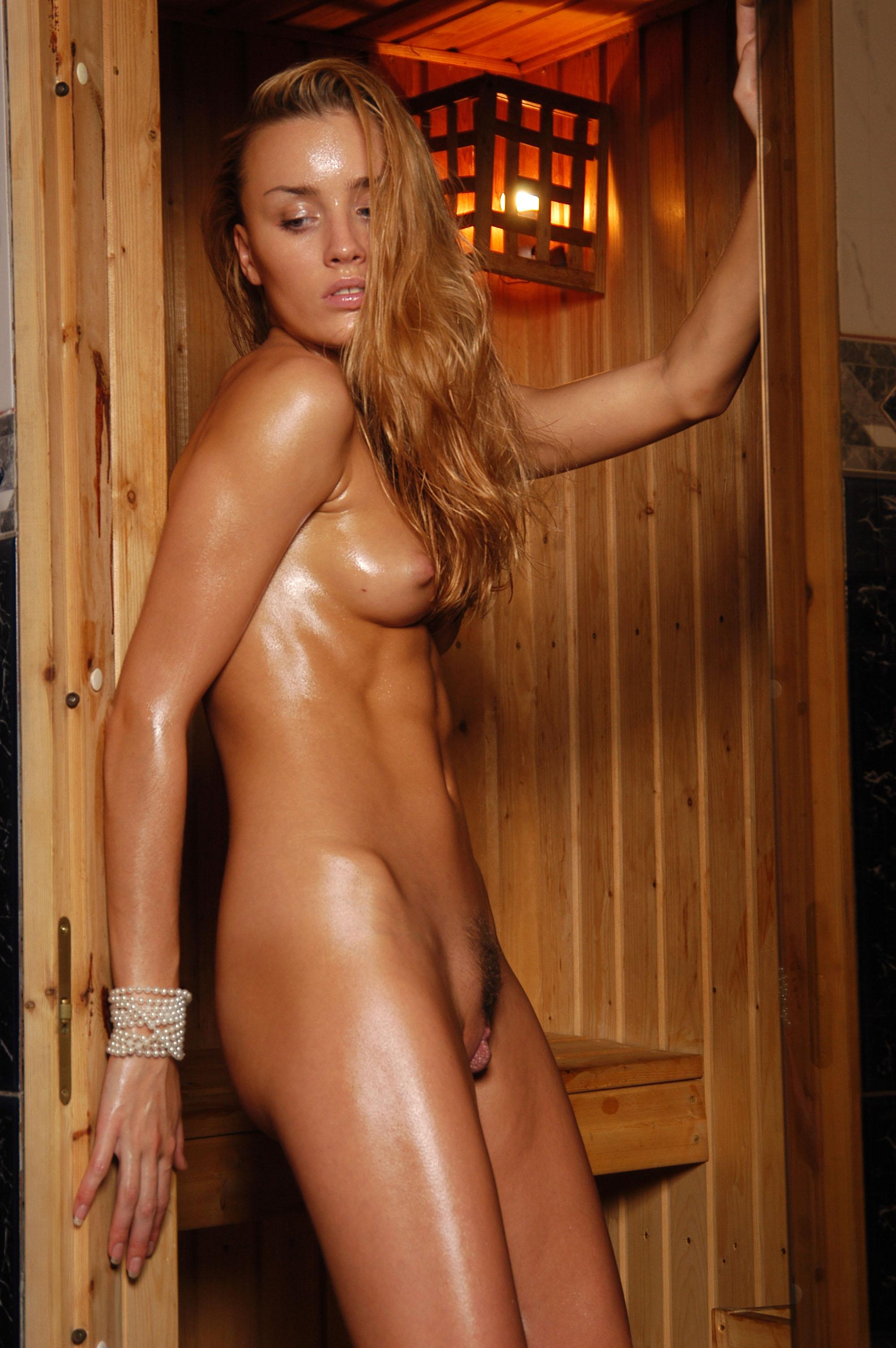 Фото потная голая жена 17 фотография