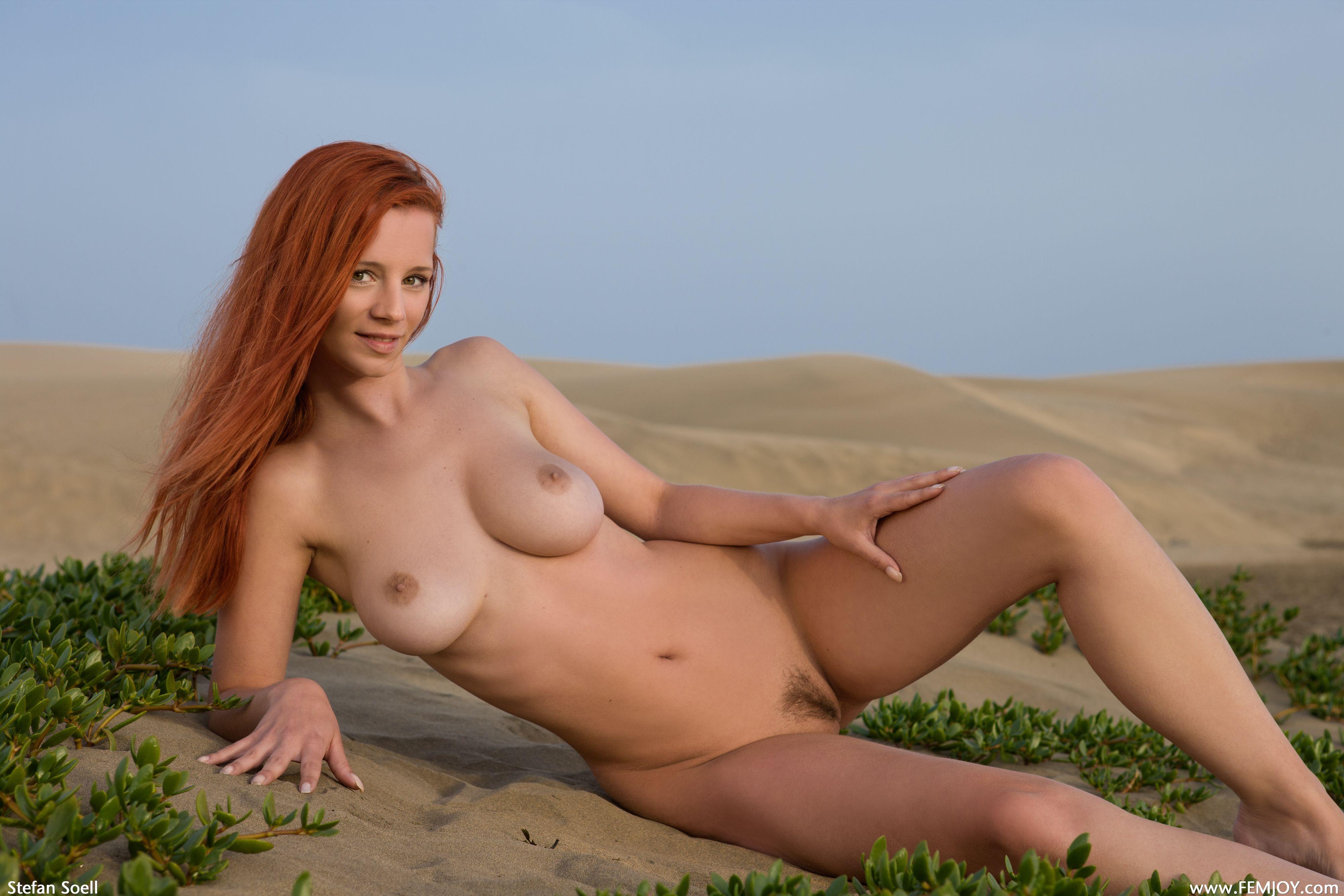 Фото девушек голых 18