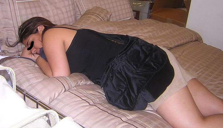 Порно пьяная спит онлайн176