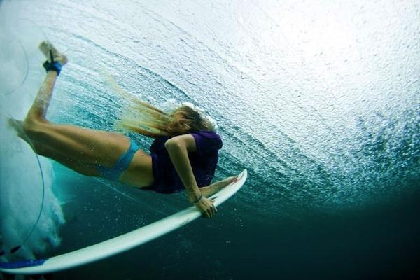 Alana Blanchard underwater duckdive