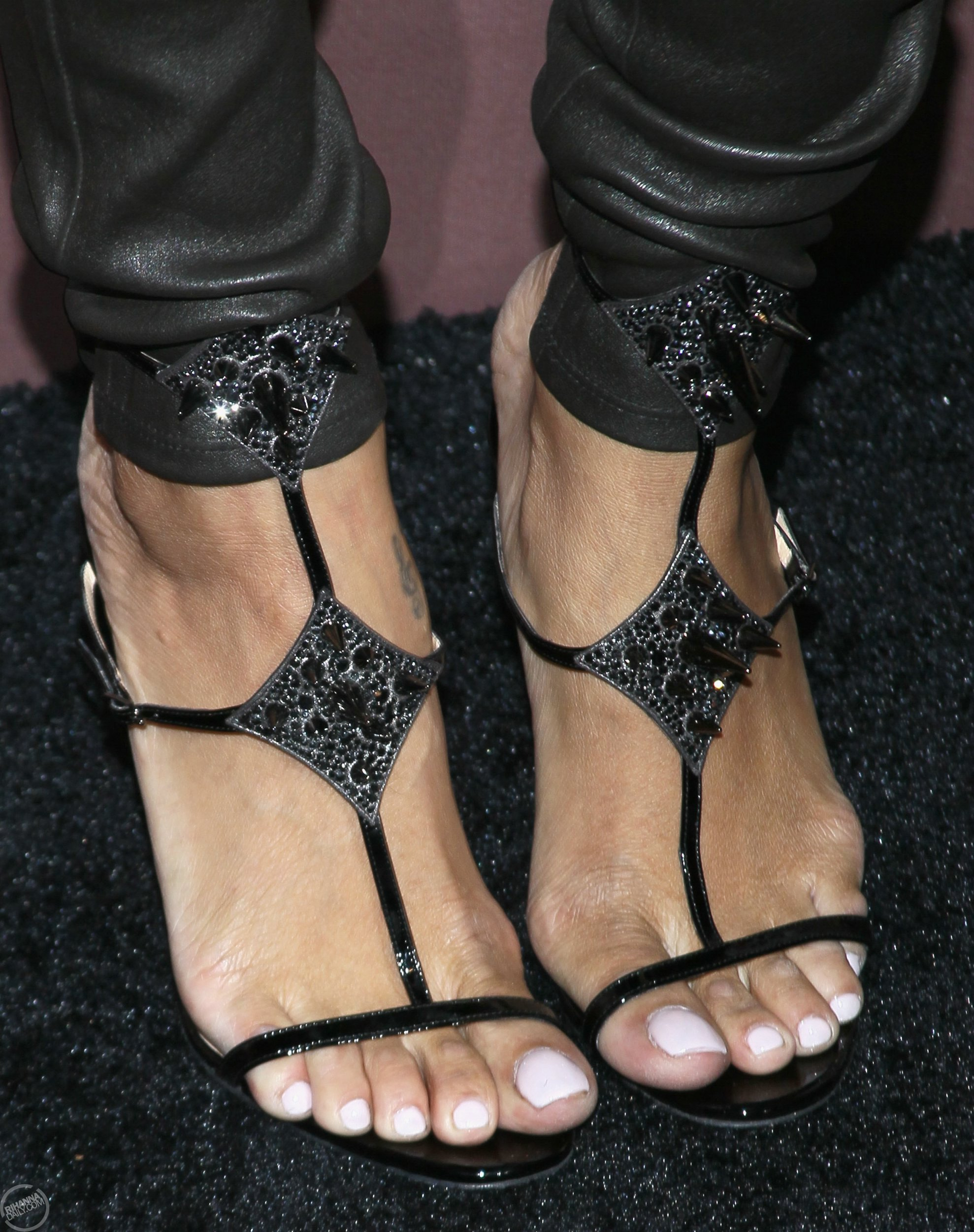 What Shoe Size Is Rihanna