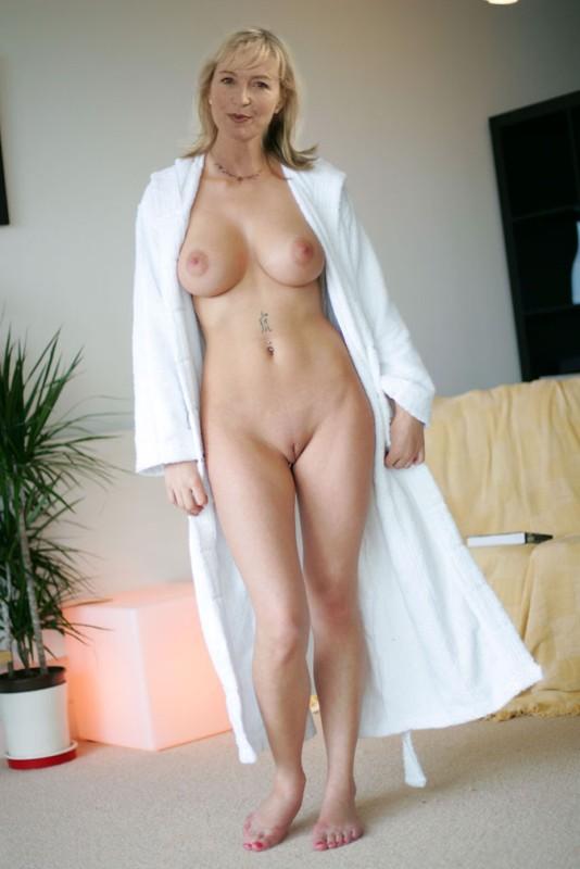 Congratulate, Carol Kirkwood pussy naked