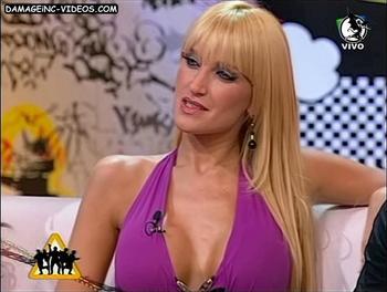 Gabriela Mandato clevage