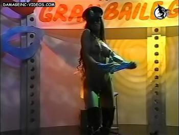 Adriana Chaumont se desnuda